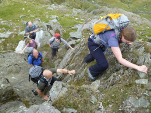 balapan mendaki gunung