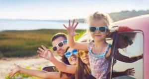 manfaat mengajak anak liburan