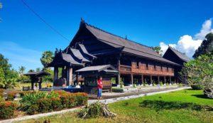 rumah adat bugis kota Soppeng
