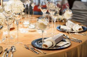 aturan dasar table manner
