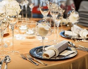 aturan dasar table manner