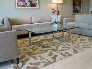 menjaga kebersihan karpet
